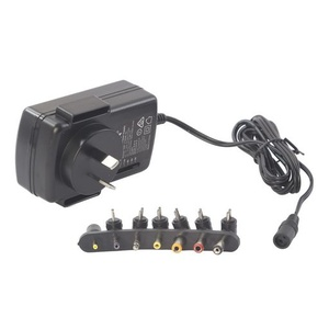 Multi-voltage 2.5A Power Adapter with 6 interchangeable DC Plugs